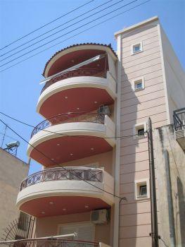 Κατασκευή τετραώροφης πολυκατοικίας